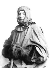 El fotógrafo de la expedición, Frank Hurley.